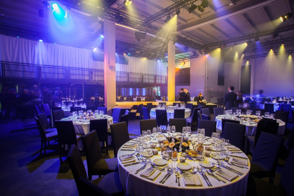 Conference-Hall-Dinnerbestuhlung-mit-Blick-auf-Conference-Hall-1024x683
